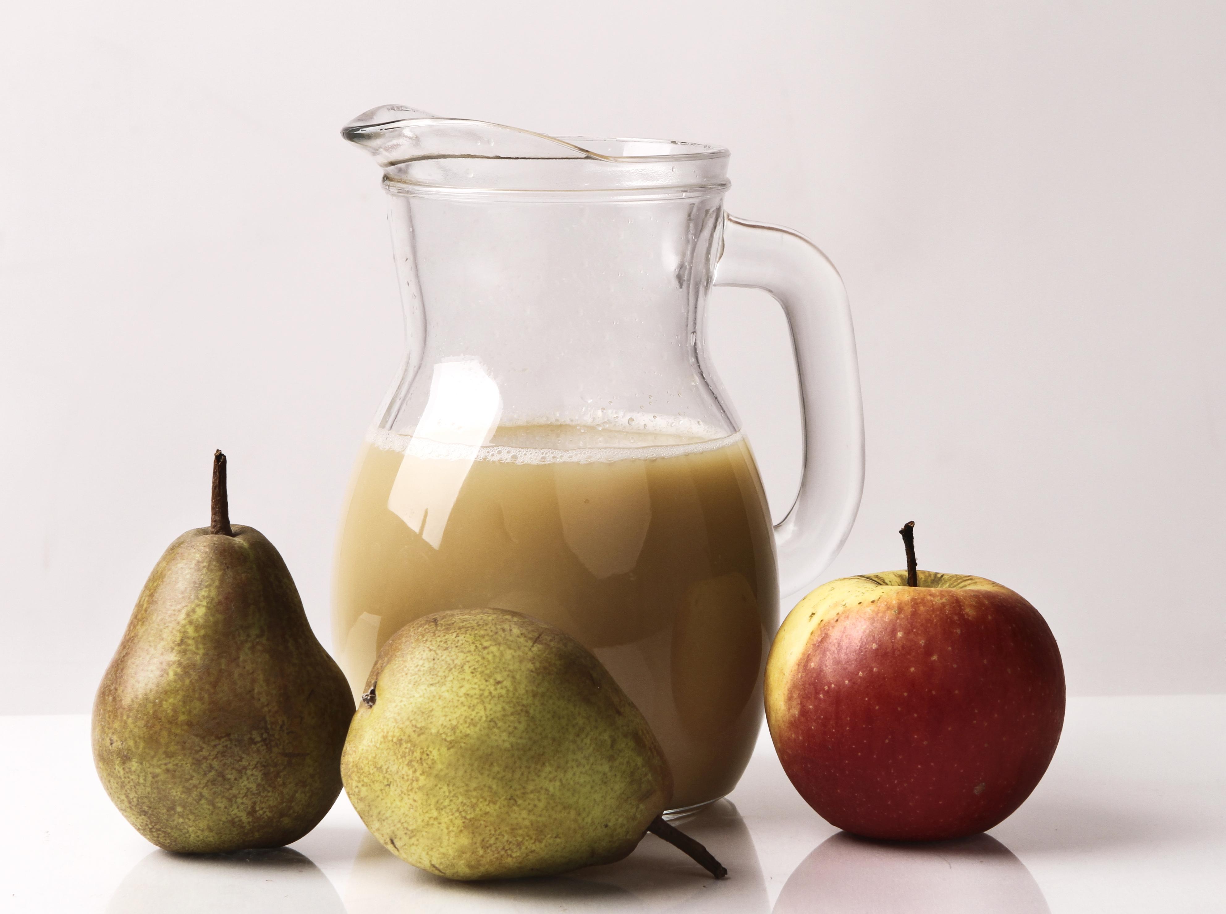 Ovocná šťava z hrušiek a jabĺk